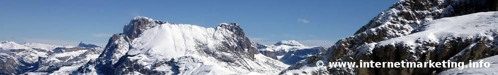 Il Sassopiatto (2.958 m) nella Val Gardena (Foto Volker).