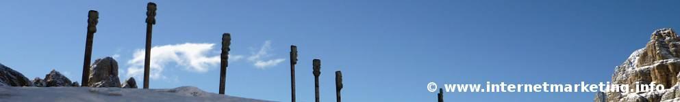 Sculture a Passo Principe a 2.601 m di altezza (Foto Volker).