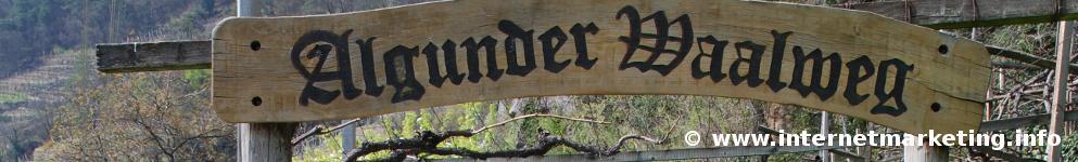 Tor am Beginn des Algunder Waalweges in Südtirol (Foto R. Jakubowski).