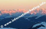 Crinale alpino al sorgere del sole visto dal Rifugio del Sassopiatto (2.300 m) (Foto: Volker)