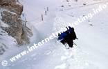 Arrampicata al Passo Principe (2.601 m) nella neve fresca (Foto: Volker).