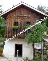 Il Centro Visite (Casa Parco Naturale) del Parco Naturale Sciliar – Catinaccio nell'antica segheria Steger (Foto: Volker).