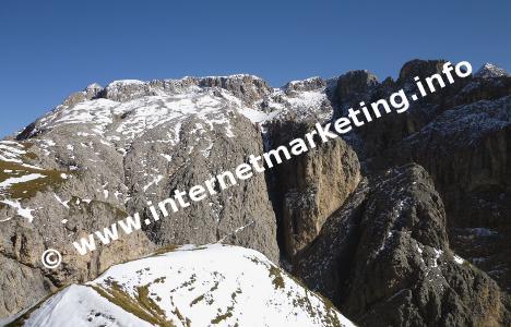Parete di roccia del Passo Alpe di Tires nel Gruppo del Catinaccio (Foto: Volker).