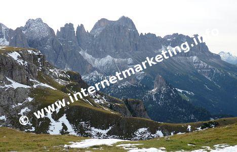 Blick auf die Rosengartengruppe vom Tschafatschsattel (2.070 m) am Schlern (Foto: Volker).