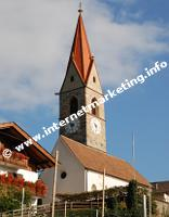 Pfarrkirche Kuens (Foto: R. Jakubowski).